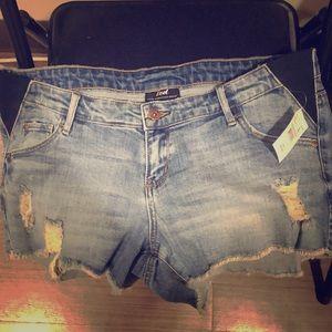 Led shorts